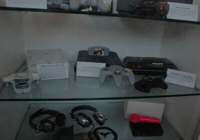 Gaming Consoles to Pakistan